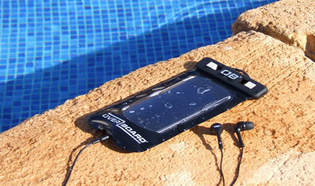 waterproof-smart-phone-overboard-pool